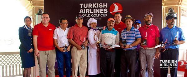 Mehmet Akay, General Manager, Western & Southern India along with Ozer Guler, General Manager, Northern & Eastern India with the winners at the Turkish Airlines 2015, New Delhi