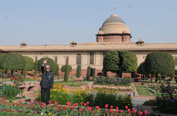 "The President, Shri Pranab Mukherjee opens the annual ""Udyanotsav"" of the Mughal Gardens of Rashtrapati Bhavan in New Delhi on February 11, 2016"