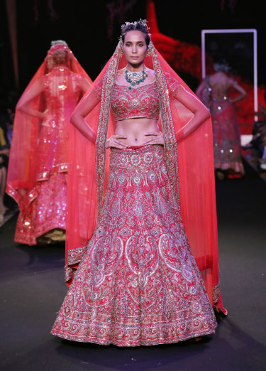 Suneet-Varma-Showcasing-the-collection-@-FDCI-India-Couture-Week-2019-13