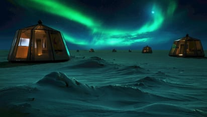 Igloo hotels in north pole, northern lights